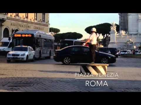 Traffic Cop in Rome on Piazza Venezia (Music: Anemone by The Brian Jonestown Massacre)
