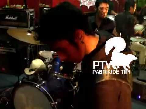 SLUG - Merapuh (live)