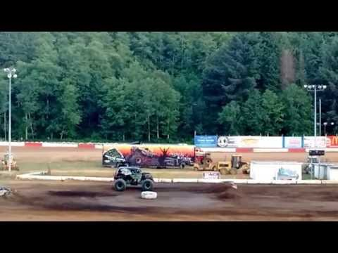 Final Round of Monster Truck Racing 2016 @ Coos Bay Speedway