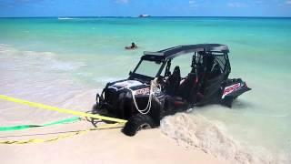 Hummer H3 vs. Ford LOBO - Playa Del Carmen, Mexico