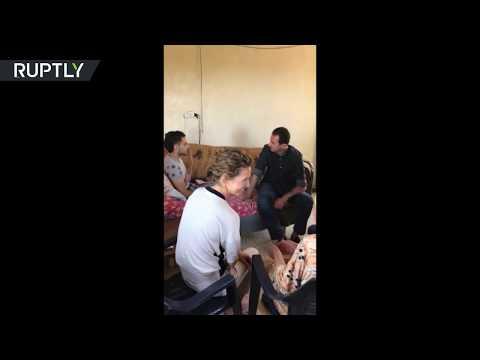 الأسد رفقة قرينته يزوران عائلة جريح في ريف حماة  - نشر قبل 3 ساعة