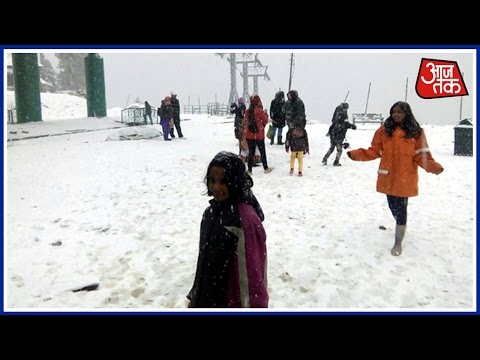 Kashmir: Season's first snowfall in Gulmarg, tourist footfall to increase