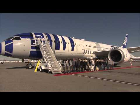 Star Wars: The Force Awakens: Cast Flys R2-D2 Theme Plane from L.A. to London for the Premiere