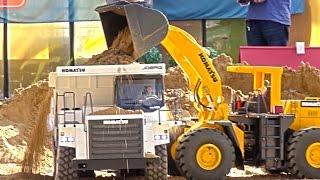 BIG&HEAVY RC Construction-Site! Rc Dump-Truck! Komatsu! Volvo! MAN! Rc Glashaus!