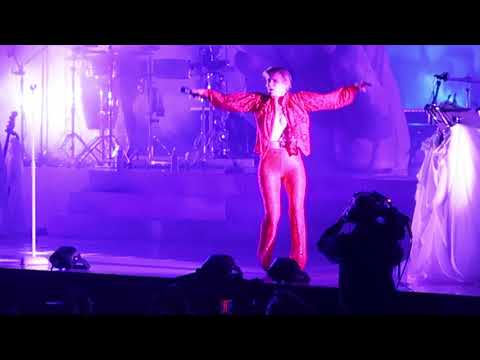 Robyn - 'Call Your Girlfriend' (live) - Madison Square Garden - NYC - 3/8/19