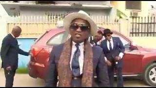 Les Sapeurs de Brazzaville défient les Sapeurs d'Abidjan
