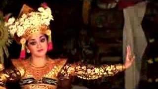 Balinese Dancers Ubud Bali - Stafaband