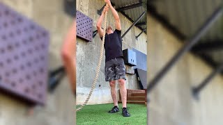 "Horton Fitness Feat Of The Week 003 ""Upside-down Rope Climbing"""