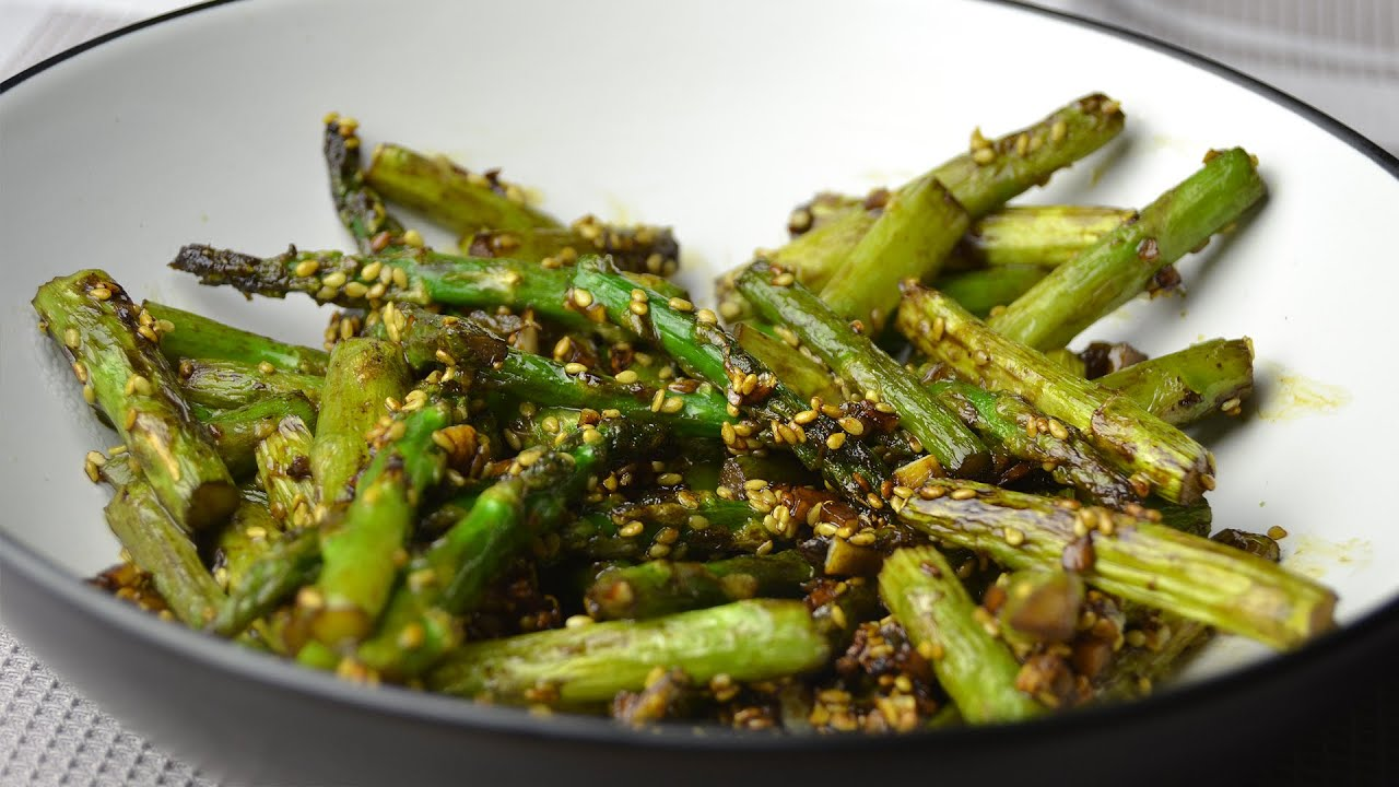 Stir fried asparagus with garlic sesame seeds easy asparagus stir fried asparagus with garlic sesame seeds easy asparagus stir fry recipe youtube ccuart Gallery