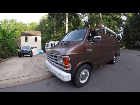 What did we get!? 1989 Vintage FBI Surveillance Van!