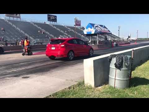 Focus St Vs Hyundai Genesis Quarter Mile Youtube