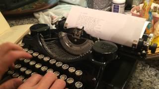 Vintage Underwood Portable Typewriter, 1930s, Typing Demonstration