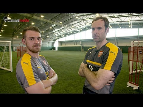 Petr Cech challenges Aaron Ramsey to a game of Heads Up!