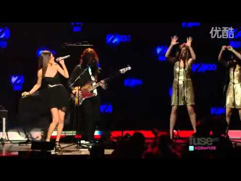 Selena Gomez - A Year Without Rain[Jingle Ball] BEST VERSION