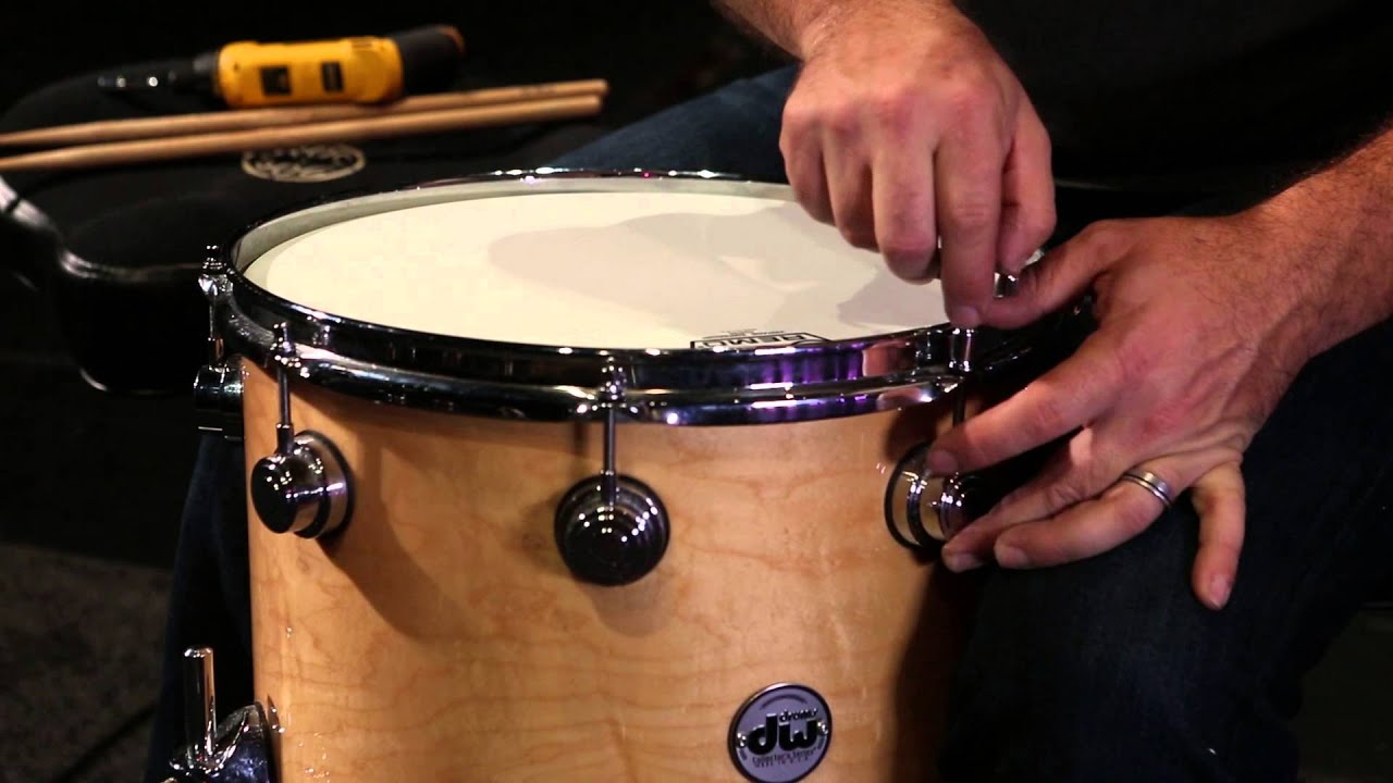 tuning a head when drum is out of round drum tuning 9 youtube. Black Bedroom Furniture Sets. Home Design Ideas