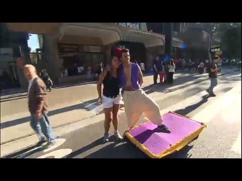 Achamos No Brasil: Aladdin Brasileiro Chama A Atenção No Centro De São Paulo