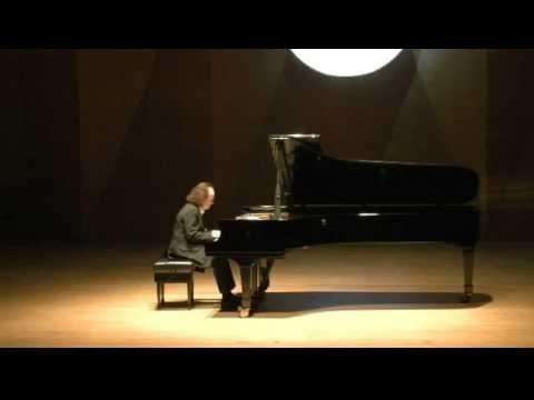 "Cyprien Katsaris live in Shenzhen - Beethoven/Katsaris: Piano Concerto No. 5, ""Emperor"""