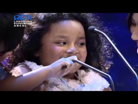 Pemenang Wanita Solo Anak Terbaik 2015 AMI Awards Romaria