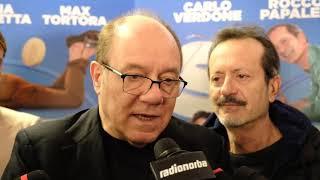 Carlo Verdone presenta il suo film girato interamente in Puglia: «Rapito da mare e paesaggi baresi»