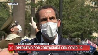 Alcalde de Santiago presentará querella contra mujer COVID-19 que paseaba en Plaza de Armas
