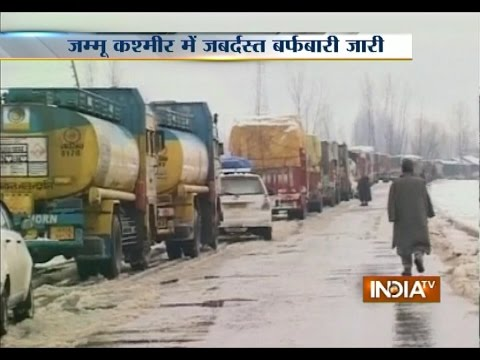 Fresh Snowfall Shuts Srinagar-Jammu National Highway
