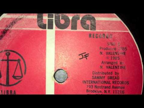 Early B - Jah Free The Sling Ting + Version - Libra