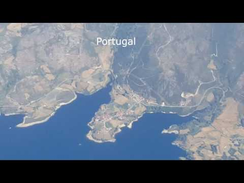 Flying from Paris to Porto / Douro Valley, for a wine tour, in 2 minutes, just for fun