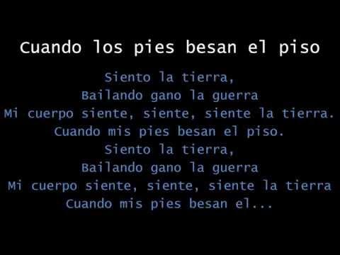 Calle 13 - Cuando Los Pies Besan el Piso (con Letra) - MultiViral 2014