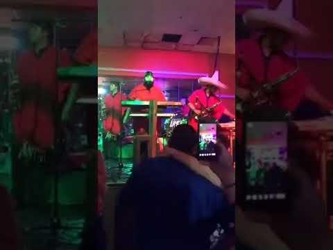 Banda Lamento Show - Llorando A Mares (En Vivo, Aurora, IL October 2017)