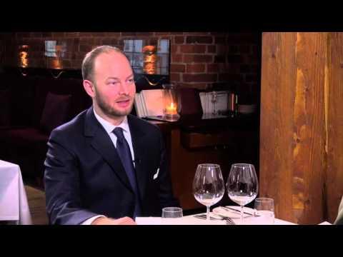 Harri Lindellin haastattelussa Europarlamentaarikko Sampo Terho.