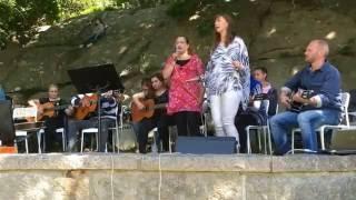 Lyckans gitarrorkester - Nationaldagsfirande i Hunnebostrand 16-06-06