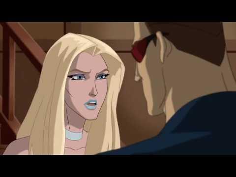 Cyclops kisses Emma Frost