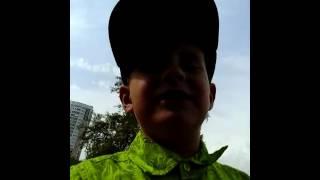 Никита снимается в клипе Лада Седан баклажан