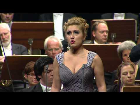NEUE STIMMEN 2013 - Final: Kristina Mkhitaryan Sings