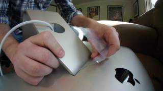 Removing and Re-Installing the Apple Cinema Display/iMac Stand/Vesa Mount