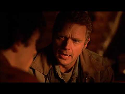 Download Smallville 1x01 - Clark finds out he is an alien from another planet