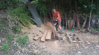 엔진톱 제재  낙엽송 판재 만들기