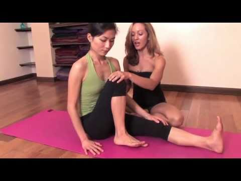 Ashtanga Yoga: Twisting for Beginners, Marichyasana C with Kino MacGregor and Julia Lofstrand