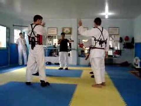 Karate Vs Taekwondo 3 - YouTube