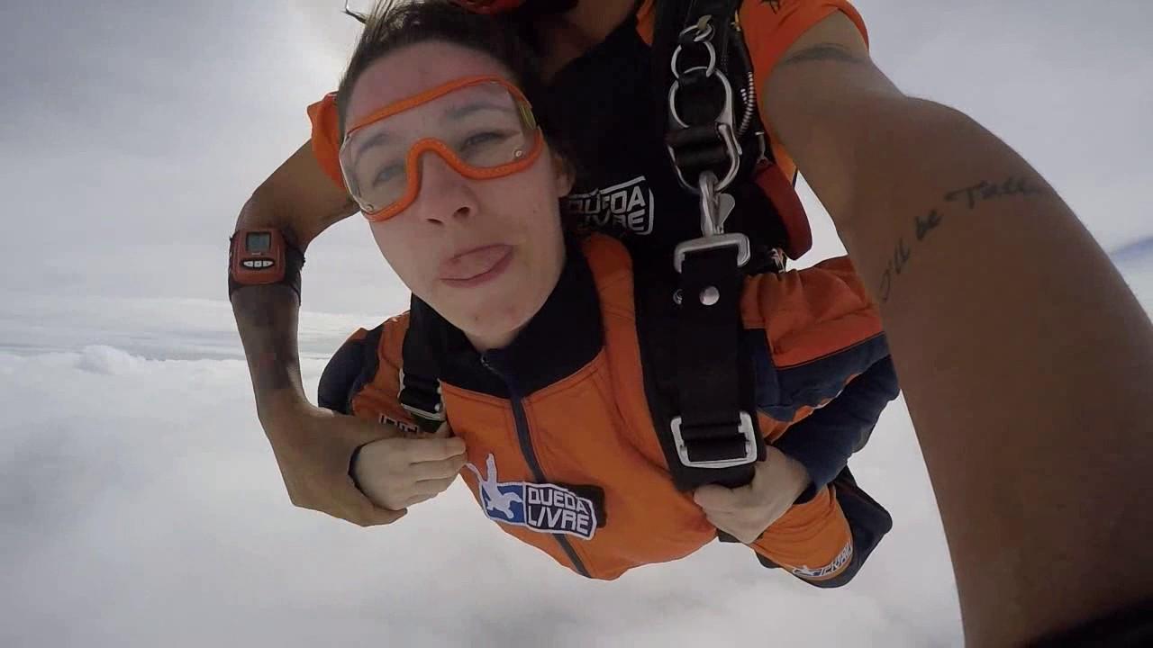 Salto de Paraquedas da Priscila B na Queda Livre Paraquedismo 21 01 2017