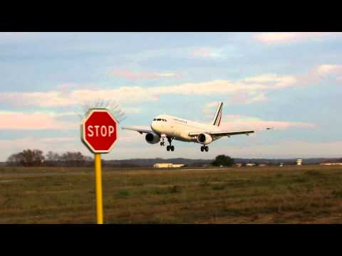 Biarritz Airport (LFBZ) Atterrissage A320 Air France || Landing