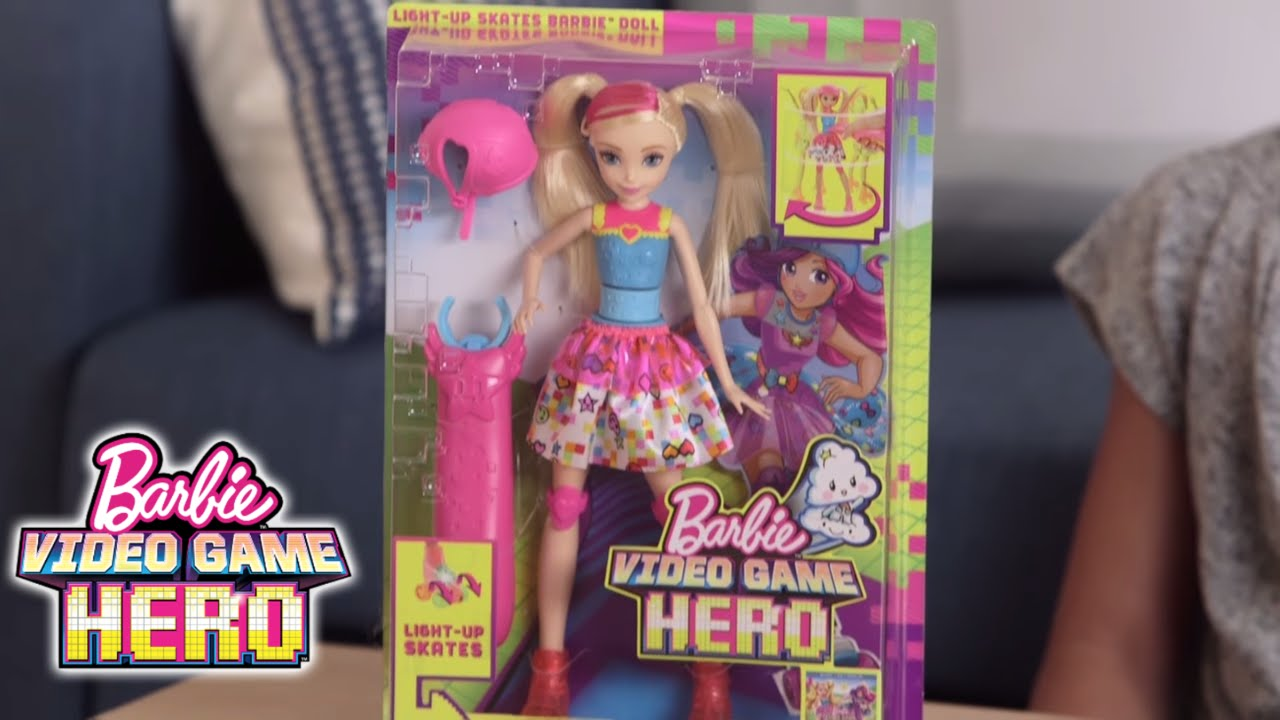 Roll Into The Game Unbox Light Up Skates Barbie Doll From Police 14528jsrbl 03 Biru Video Hero Youtube