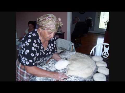 mariette-fait-18-pains-et-des-brioches---gaspesie---18-bread-loafs-and-buns-old-fashion-way