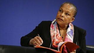 """وزيرة العدل الفرنسية تستقيل على خلفية مشروع """"إسقاط الجنسية"""""""