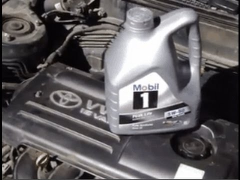 how to change and replace engine oil toyota corolla vvt-i engine ...