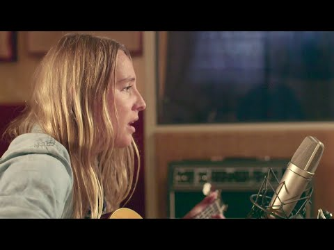 Lissie - Stay (Acoustic Session)