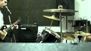 pogo, mosh y slam (Descontrolados cover FlemA)ensayo 12-11-2011