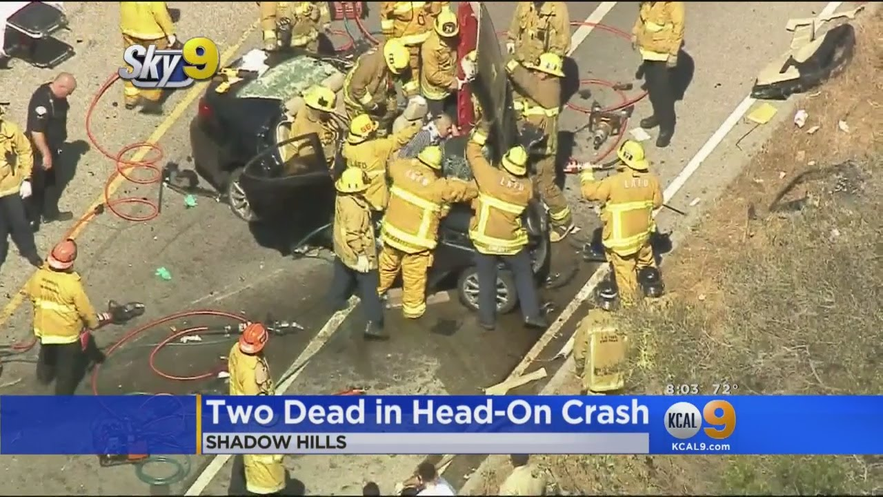 2 Dead, 4 Critical In 3-Vehicle Head-On Crash Near Sunland