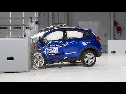 2019 Honda HR-V Driver-side Small Overlap IIHS Crash Test
