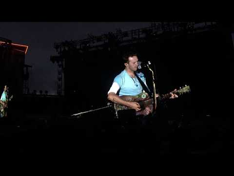 Coldplay in Gothenburg - Chris Martin writes a song on the spot (Through the Rain)